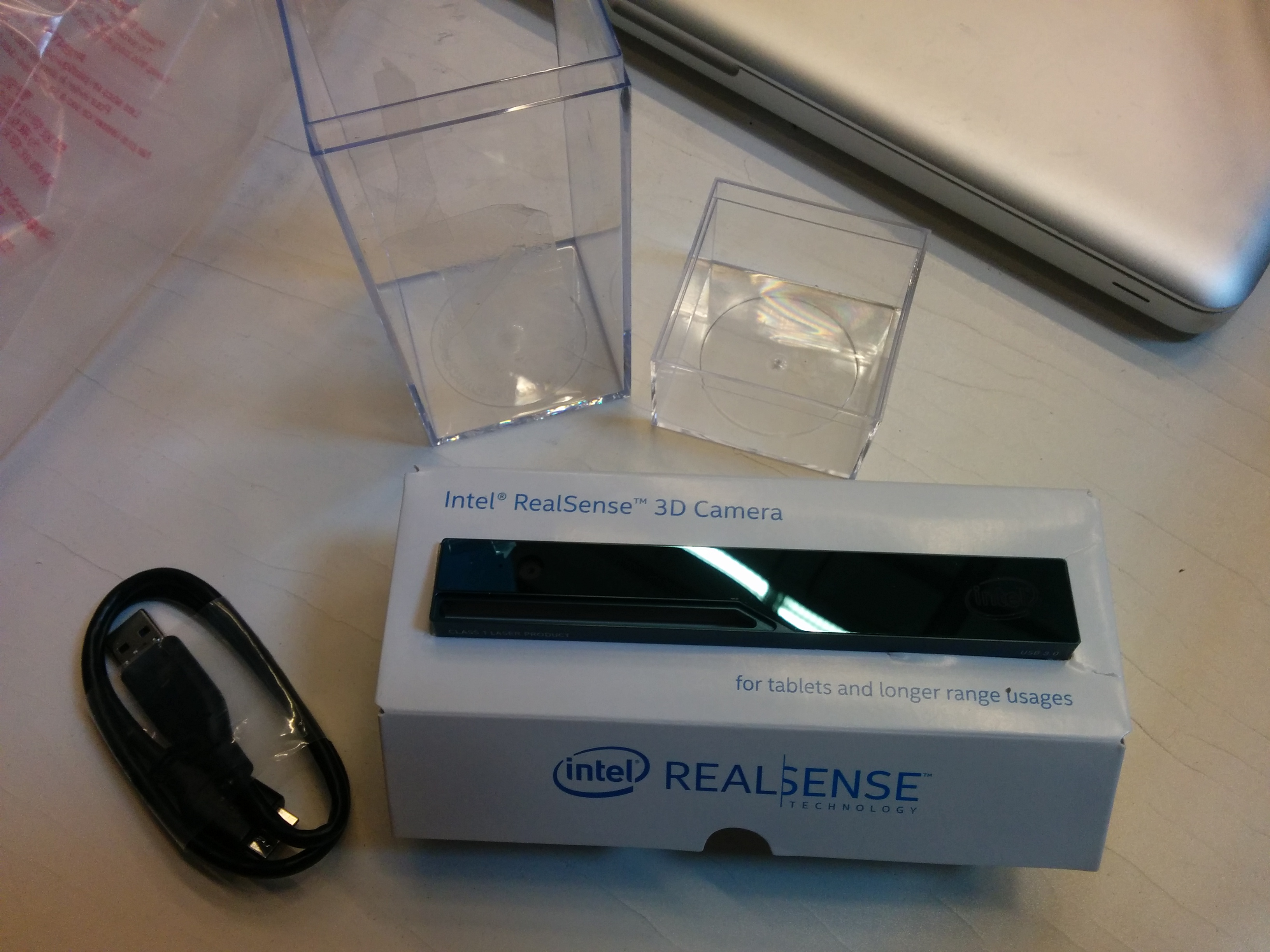 R200 sensor in its box